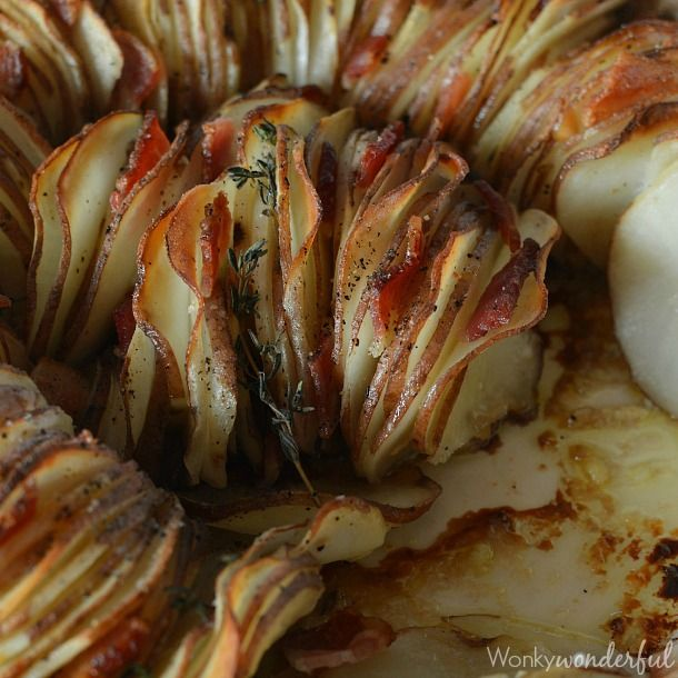 Just in time for the holiday season, I'm sharing this Roasted Potato Side Dish Recipe. A gorgeous presentation of potatoes, roasted garlic, thyme & bacon.