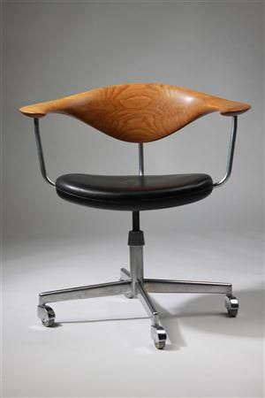 Office chair, designed by Hans Wegner for Johannes Hansen, Denmark. 1950's.