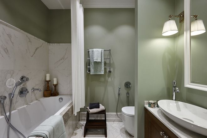 olive wall, cararra tile