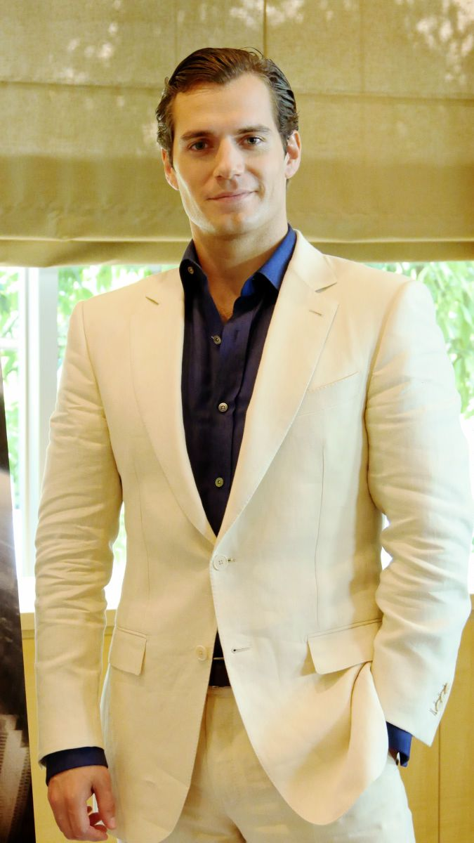 henry cavill | Tumblr - not crazy about the hair, but I like the shirt and suit on him.