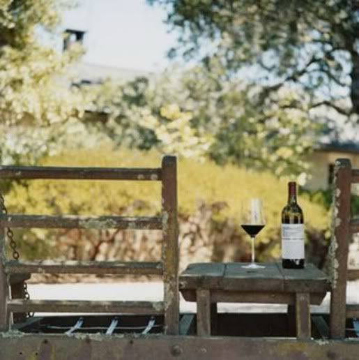 Love any place that offers vino: Outdoor Living, Inspiration Places, Wine Wine, Peace, Vino Tweetup, Tables Places, Country Living, Zen Spaces, Country Life