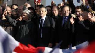 Fillon France election: Candidate makes fighting speech at rally
