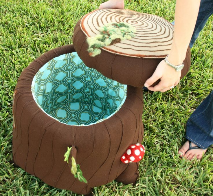 DIY storage ottoman with Woodsy Theme...created blissfully: Because, who doesn't need a stump?