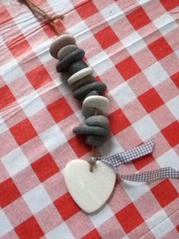 Touw met stenen  Van: Marlou Hetem op pinterest
