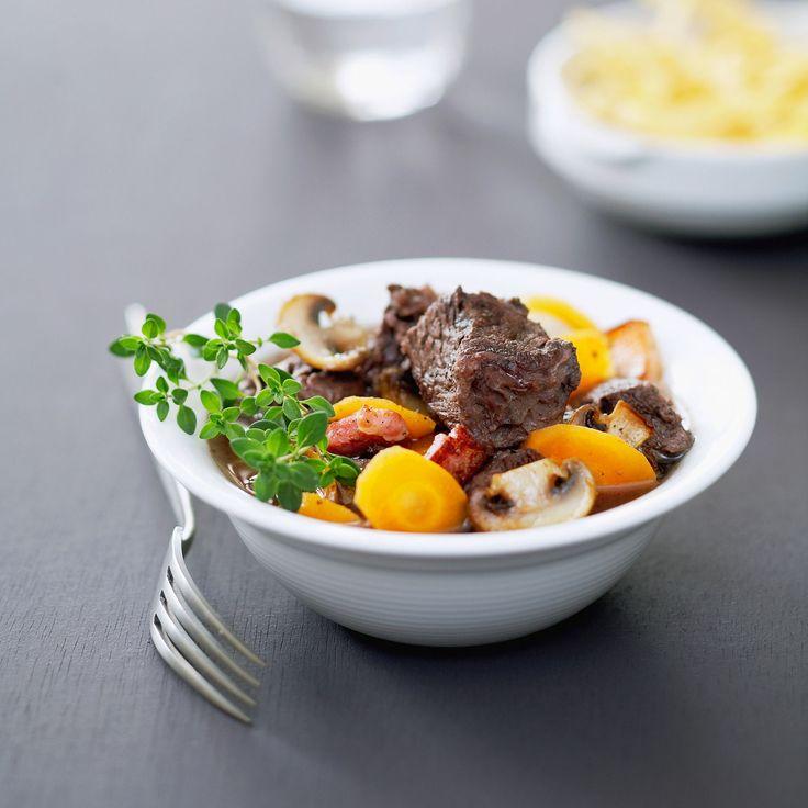 Découvrez la recette Boeuf bourguignon sans vin sur cuisineactuelle.fr.