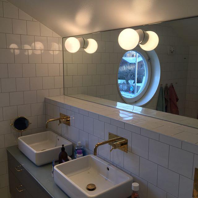Och här har vi några bilder på det färdiga resultatet. Riktigt fina val av kunden som vart riktigt nöjd. Och är kund nöjda så är vi nöjda👌🏻😊 #bathroom #badrumsrenovering #badrum #mässing #spegel #kakel #sekelskifte #klinker #schakrutigtgolv  #tapwell #inbyggnadsblandare #renova #vägghängdwc
