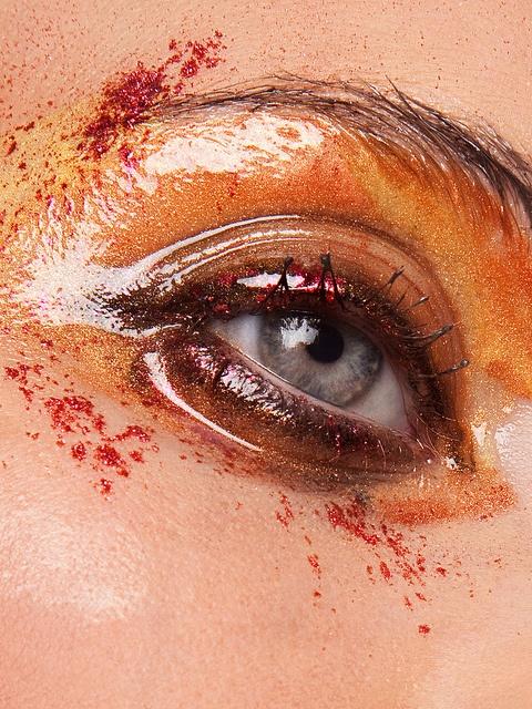052 by Viktoria Stutz, via Flickr Model: Mandy-Kay Brückner  Makeup: Julia Sieckmann