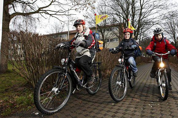 Wenn Kinder Fahrrad fahren lernen möchten, ist Geduld gefragt.