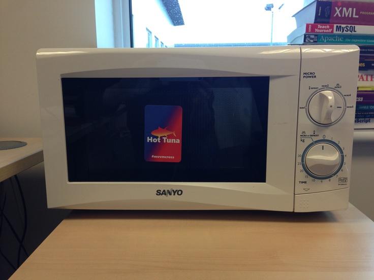 Our microwave, cooking hot tuna, uuuummm tasty!