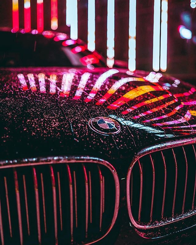 Reflecting origins of prestige. The #BMW #7series.  #BMWrepost @otradnv