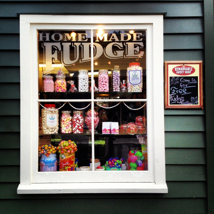 (South island) Arrowtown, New Zealand - the REMARKABLE SWEET SHOP. This seems like a lovely little town to visit.