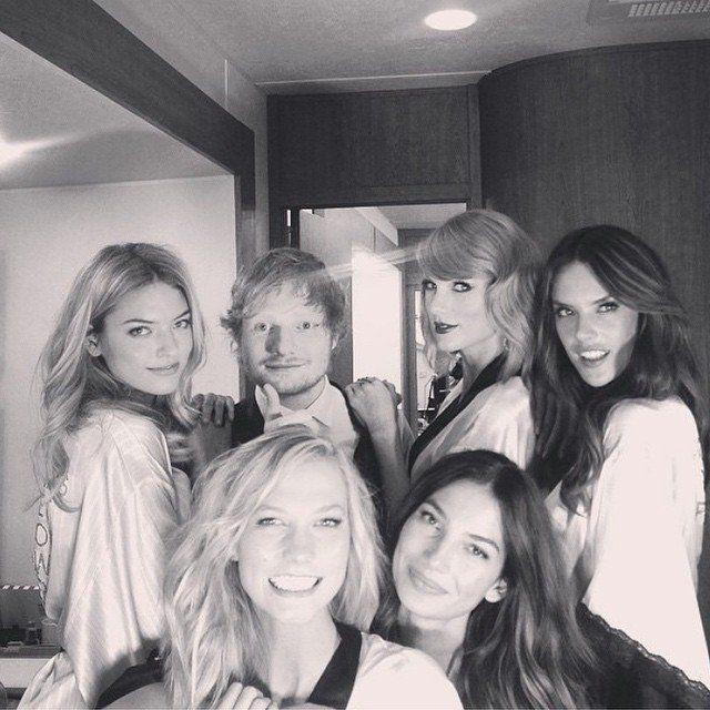 Pin for Later: Les Amis de Taylor Swift Sont Ses Meilleurs Accessoires Martha Hunt, Ed Sheeran, Karlie Kloss et Alessandra Ambrosio