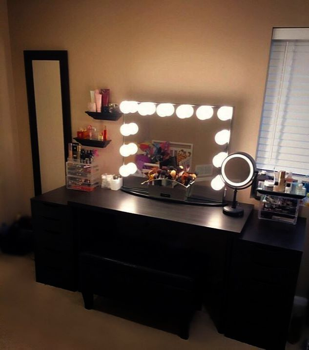Makeup Looks Glam Per Makeup Vanity With Electrical Outlet