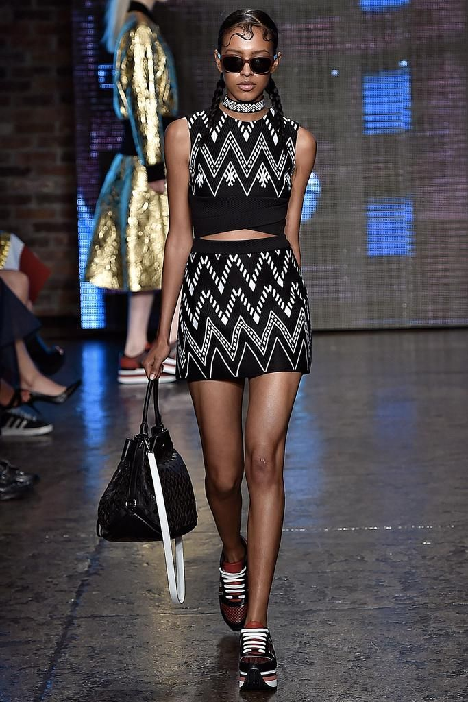 DKNY Spring 2015 Ready-to-Wear - Collection - Gallery - Look 33 - Style.com
