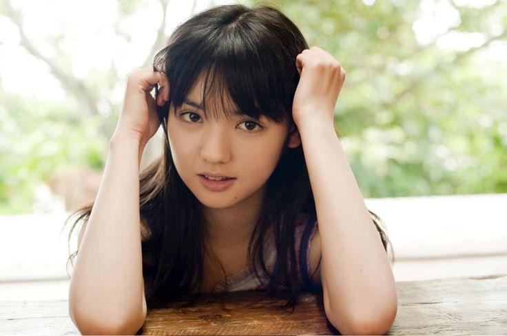 Sayumi Michishige Celebrates Her Tenure As Longest Standing Member of Morning Musume