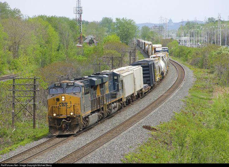 RailPictures.Net Photo: CSXT 954 CSX Transportation (CSXT) GE ES44AH at Beaconsfield, Quebec, Canada by Michael Berry