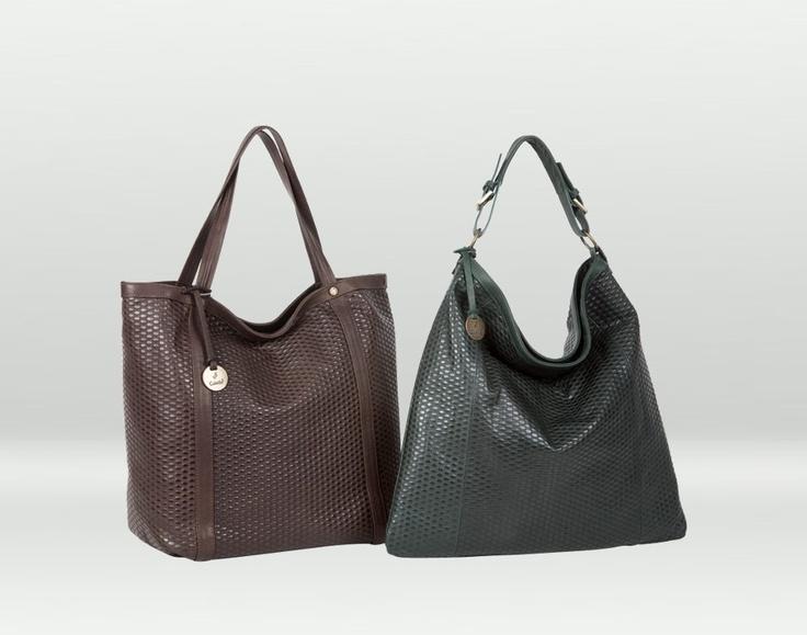 I modelli Sarnia, con una texture che riflette la luce e fa risplendere la borsa...
