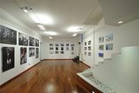 Obiettivo Reporter Gallery. Uno spazio espositivo nel cuore di Milano pensato per realizzare mostre ed eventi con professionisti ed amanti della fotografia in collaborazione con Photographers.it.