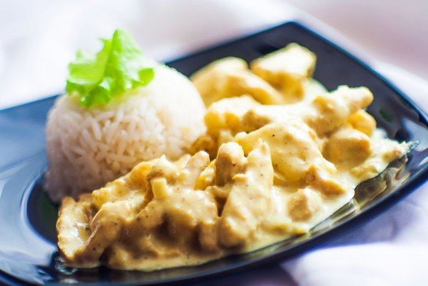 Chicken fillet with bananas