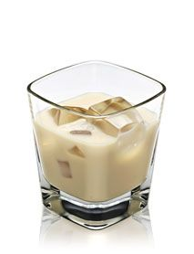 DISARONNO & MILK The cream of cocktails DISARONNO and milk - a decadent, dairy lovers marriage made in heaven. 1½ parts DISARONNO 3 parts Milk Method Pour all ingredients over ice and stir.