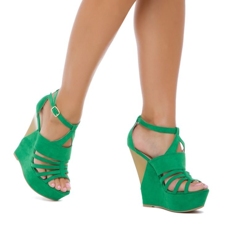 Go green!: Green Shoes, Fashion Shoes, Shoes Dazzle, Green Heels, Green Wedges, Shoes Collection, Beach Weddings, Shoes Galleries, Shoes Shoes