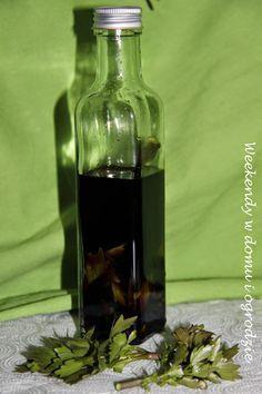 Młodziutkie pędy lubczyku mają bardzo silny zapach, więc idealnie nadają się do aromatyzowania. Przedstawiam mój stary wypróbowany wielokro...