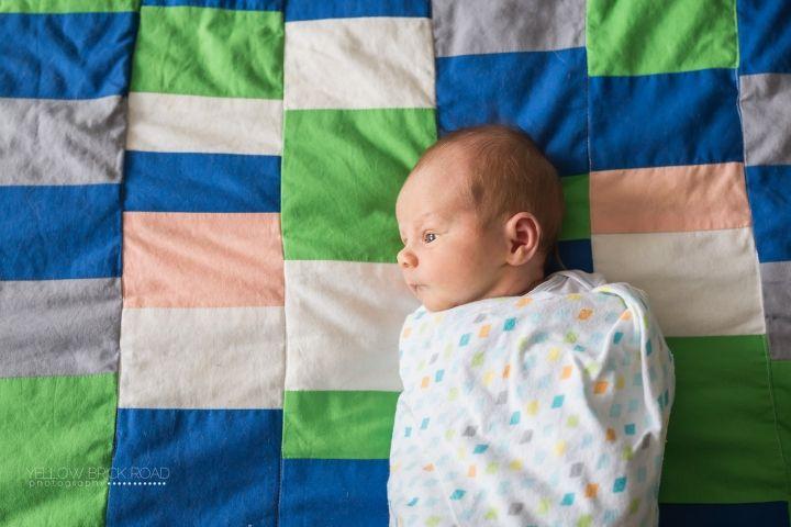 Newborn Lifestyle - Yellow Brick Road Photography #kitchenerphotographer #newbornlifestyle #lifestylenewborn www.yellowbrickroadphoto.ca