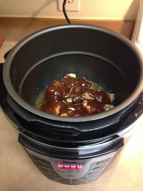 BBQ Chicken Wings Recipe Cooking with the Electric Power Pressure Cooker Reviews