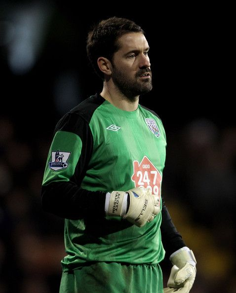 Scott Carson Photos Photos - Scott Carson of West Brom reacts during the Barclays Premier League match between Fulham and West Bromwich Albion at Craven Cottage on January 4, 2011 in London, England. - Fulham v West Bromwich Albion - Premier League