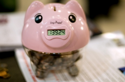 Digi-Piggy looks like a traditional piggy bank which keeps a running total of the coins and money you saved thanks to an innovative digital readout. The product costs $14.99.