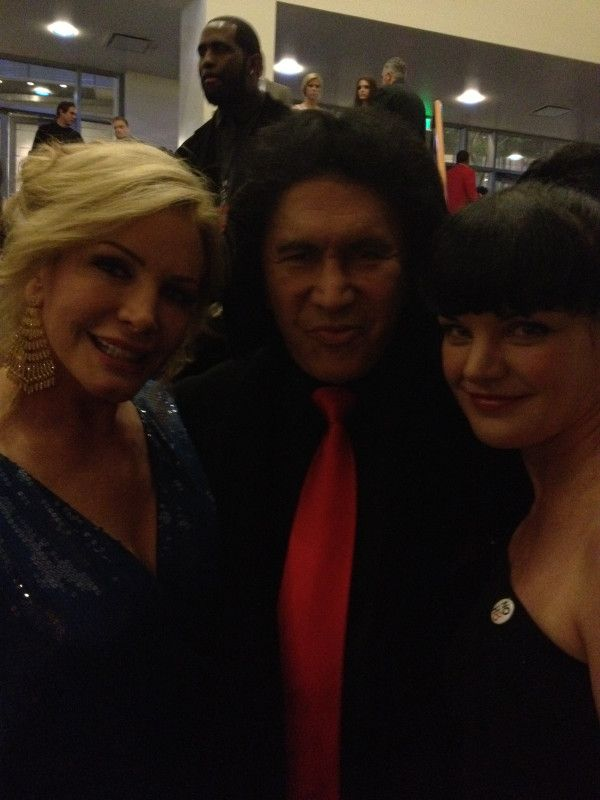 Great pic of Gene and Shannon Simmons w/ Pauley Perrette. From PP's twitter account.