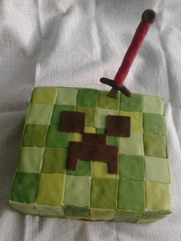 Minecraft dort - Creeper. / Minecraft cake - Creeper. #minecraft #cake #homemade #creeper #recipe #marzipan