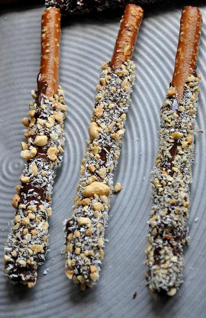 vegan chocolate covered pretzels