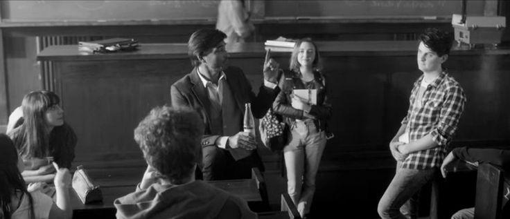 """La marca de agua tónica Schweppes salió con un comercial que se parece más a un oda a la nostalgia que a la comunicación de un producto. Pero si tomamos el concepto que vienen trabajando desde hace tiempo, """"separando hombres de niños desde 1783"""", no parece tan descabellado."""