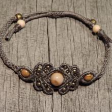 Micrame - Siva zapestnica s poldragim kamnom - pokrajinski jaspis