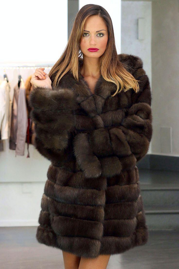 122 best Fox fur parkas images on Pinterest | Fox fur, Fur coats ...