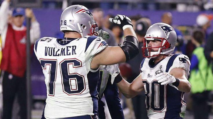 Super Bowl XLIX: New England Patriots - Seattle Seahawks 28:24: Sebastian Vollmer gewinnt als erster Deutscher den Super Bowl http://www.bild.de/sport/mehr-sport/super-bowl/vollmer-und-die-patriots-schlagen-seattle-seahawks-39553600.bild.html   Sebastian Vollmer (l., hier mit Danny Amendola) ist der erste Deutsche, der den Superbowl gewinnt