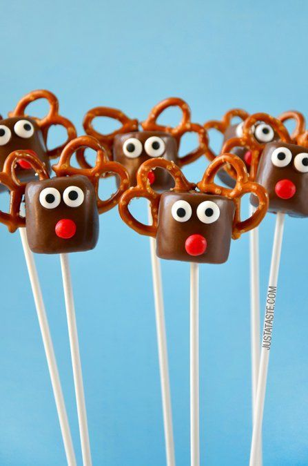 Chocolate Reindeer Marshmallow Pops | recipe via http://justataste.com