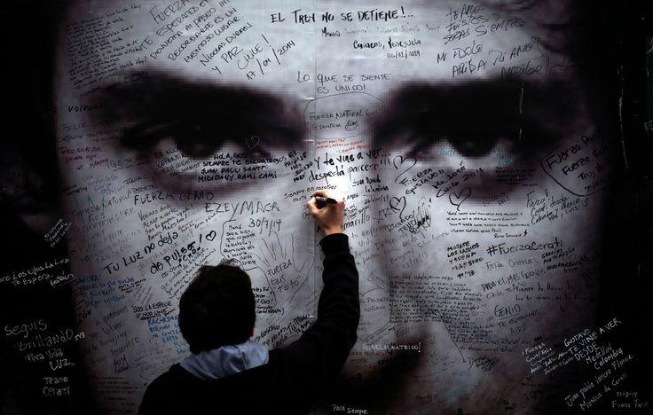 """PorJuan Morris* Este es un fragmento adaptado de """"Cerati. La biografía"""", de Juan Morris, publicado por editorial Sudamericanaen2015. A mediados de 1995, las paredes de Buenos Aires amanecieron e…"""