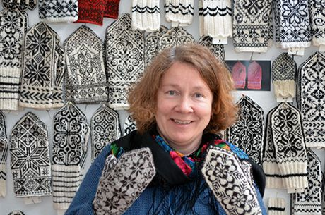 Anne Baardsgaard lager bok om Selbuvotter