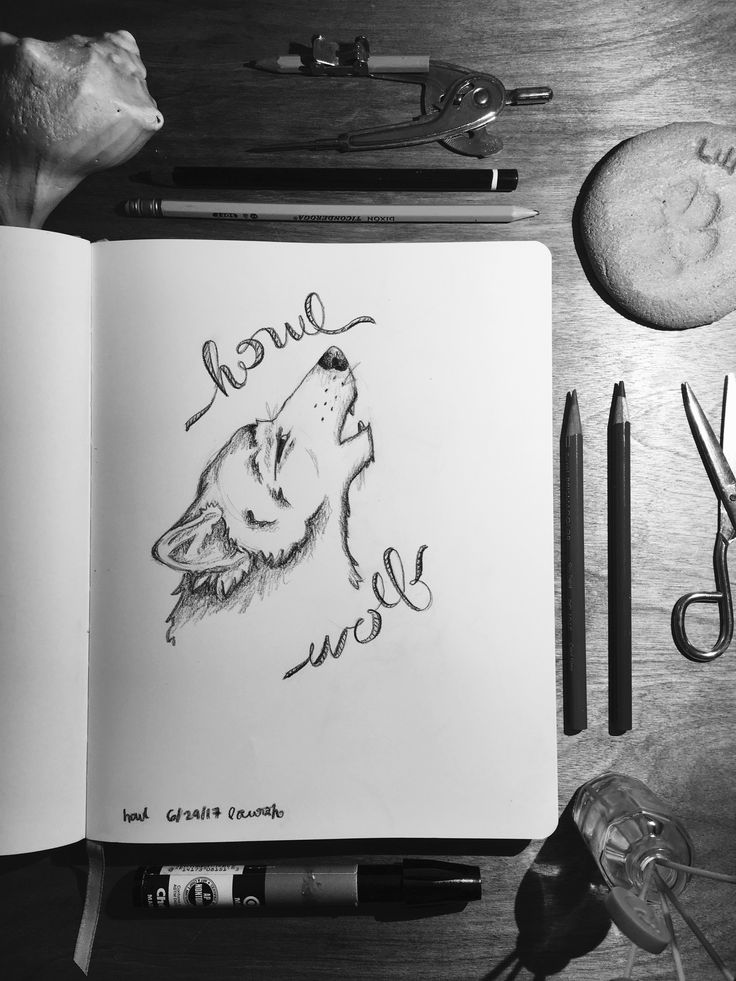 Black and white Wolfe art Instagram: @lh.art.and.photography