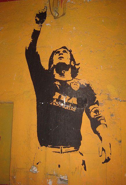 AS Roma's soccer star Francesco Totti in Monti, Rome #yellow #streetart #Totti #Rome #Roma