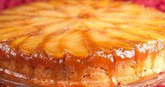 Fáceis de encontrar o ano todo, as maçãs são saudáveis, saborosas e delicadas. Nesta receita elas são caramelizadas antes de irem para a forma, acentuando assim o sabor e a textura da maça e do caramelo. INGREDIENTES MAÇÃS E CALDA 5 maças grandes ou 6 pequenas – usamos a granny (maça verde) mas a gala também fica ótima 50 ml de suco de limão 40 gr. de manteiga 4 colheres de sopa de açúcar 1 pedaço de canela em pau 80 ml de água MASSA 120 gr. de manteiga sem sal em temperatura ambiente 150...