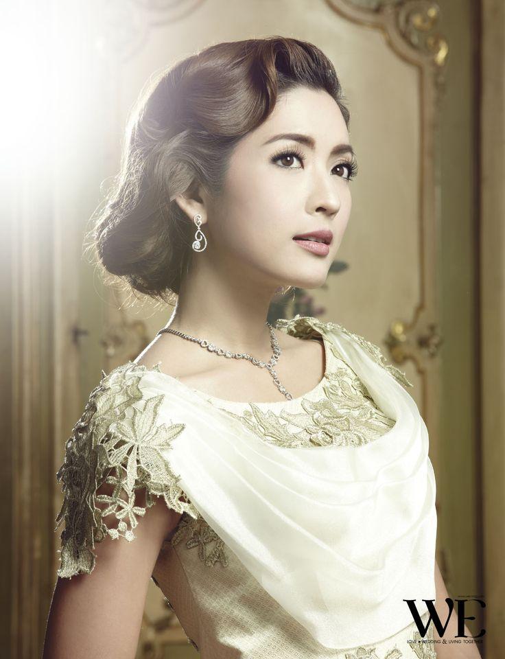 ชุดไทยร.7ถ่ายแบบหนังสือ we :: แต่งงาน ชุดแต่งงาน ชุดไทย wedding square แต่งหน้าทำผม คุณโจ สตูดิโอ ถ่ายภาพแต่งงาน รังสิต ปทุมธานี ดอนเมือง