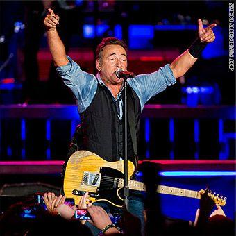 Bruce Springsteen cancels North Carolina concert over 'bathroom law'