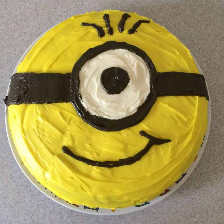 Easy minion cake pins i 39 ve actually tried pinterest minion cakes cakes and black - Cake decorations minions ...