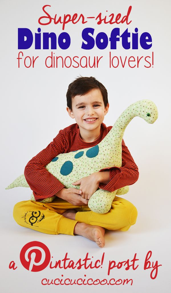 This mega-sized stuffed dinosaur pattern is perfect for creating a cool gift for your favorite dino lover! A Pintastic! free pattern and tutorial review, bringing you the best of Pinterest!