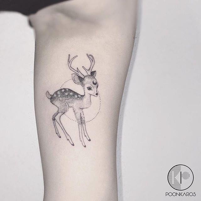 best 25 fawn tattoo ideas on pinterest doe tattoo spirit animal tattoo and deer art. Black Bedroom Furniture Sets. Home Design Ideas
