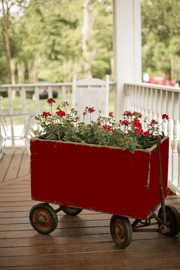Build a box to fit over red wagon