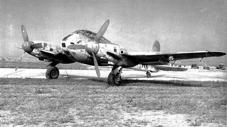 Messerschmitt 410A-2 / U1 'Hornisse', numero di serie 10018, catturato dagli Alleati in buone condizioni nell'agosto del 1943 presso l'aeroporto di Trapani, Sicilia. Nel 1944, trasferito al Army Test Center Wright Field in Ohio. E 'attualmente in custodia presso l'Air and Space Museum Nazionale di Silver Hill, Maryland.